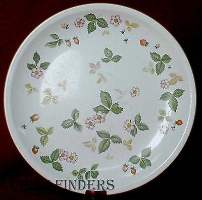 """WEDGWOOD china WILD STRAWBERRY R4406 Earthenware pattern Dinner Plate - 10-1/2"""""""
