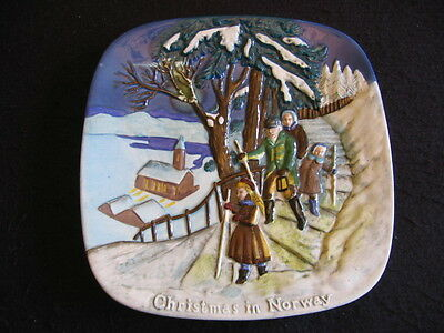 """BESWICK 'CHRISTMAS in NORWAY' #2522 8"""" Sq' WALL PLATE LTD EDITION c.1975 EX"""