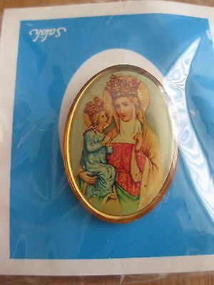 Virgin Mary With Jesus  Pin Back