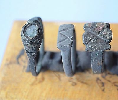Medievil Viking Period ring with drawing