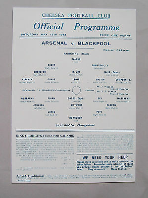 1943 F.A. League cup final programme Arsenal v Blackpool in Mint condition.
