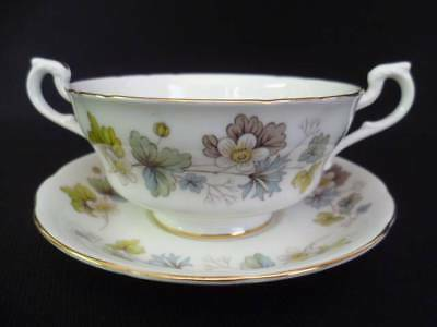 Royal Standard Leaves Soup Cups & Stands (A) (u)