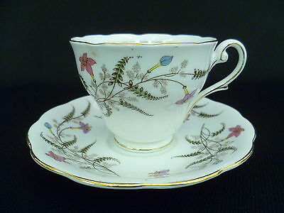 ROYAL STANDARD FANCY FREE TEA CUP AND SAUCER (w) 9×7