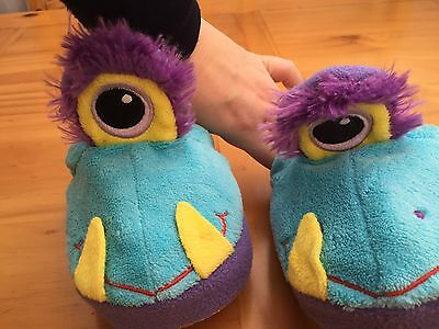 Stompeez One Eyed Monster Slippers Size XS