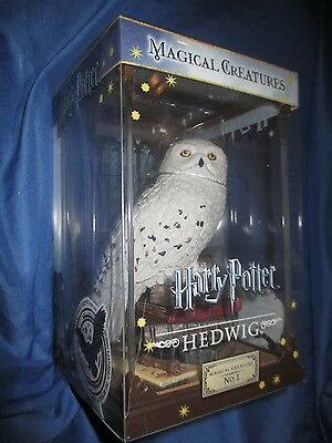 """HARRY POTTER:HEDWIG 24cm NOBLE COLLECTION MAGICAL CREATURE 9.5/"""" STATUE RESIN"""