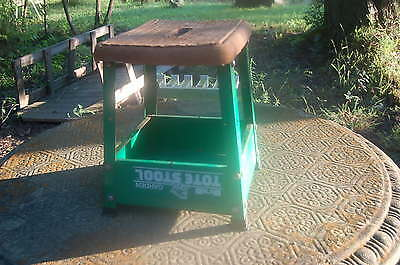 Primitive Shabby Vintage Hirsh Country Garden / Home Tote Stool Bench, Frog Logo