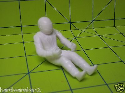 PARTS - 4 pc SITTING NASCAR DRIVER FIGURE - WHITE- 1/24 Scale