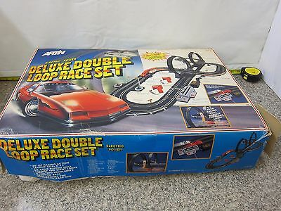 VINTAGE Electric Power Artin 80034T Deluxe Double Loop Race Set 6' x 3' Track