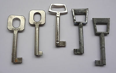 Lot of 5 Vintage Lock Keys 2.4 to 2.7'' Free Shipping