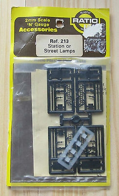 Ratio 213 Station or Street Lamps x 4 N Gauge Kit