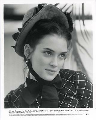 Winona Ryder movie actress in The Age of Innocence Original 8x10 photo  (sg268)