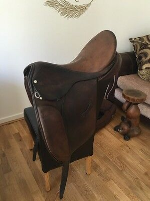17.5 Inch Brown Leather Ideal Dressage Saddle Medium Width