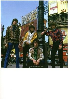Young PINK FLOYD POSTCARD Rock Band Musician Photo 1967 Piccadilly Circus London