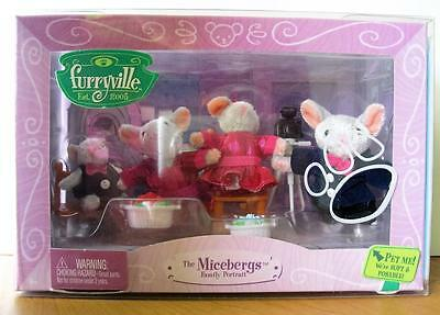 FURRYVILLE The Micebergs Family Portrait Mouse Doll Family & Accessories Mattel