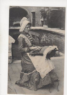 Embroidery / Lace Making Belgium Vintage Postcard 101b