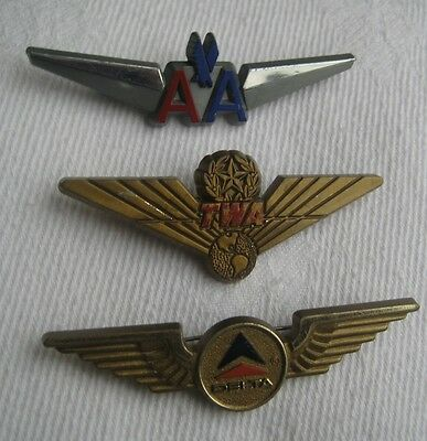 AIRLINES x3 vintage plastic childrens club WINGS PIN BADGES TWA AA & DELTA