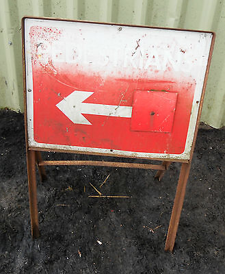 METAL Free STANDING Highway A-BOARD ROADSIGN Road Sign - PEDESTRIAN DIRECTION