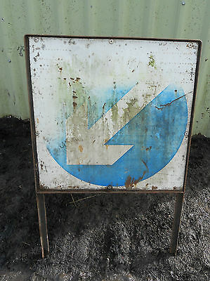 METAL Free STANDING Traffic A-BOARD ROADSIGN Road Sign - ONE WAY THIS WAY Blue