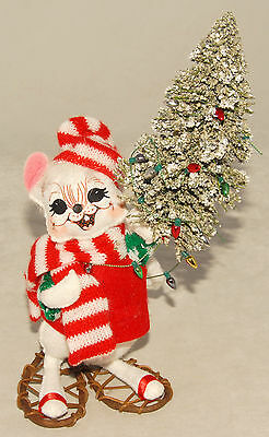 ANNALEE Dolls - 7 inch - MOUSE Holding Tree in Snowshoes Christmas Poseable 2006