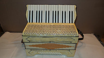 Very Nice Vintage Concertone Accordion 48 Bass,Lightweight, Plays & Sounds Good