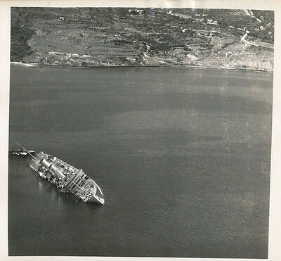WWII 1940s 15th Photo Recon sinking ship Trieste, Italy  9x10 photo