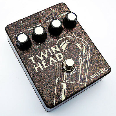 ARTEC TWH-1 TWINHEAD Classic Overdrive Distortion Guitar Effects Pedal Sansamp