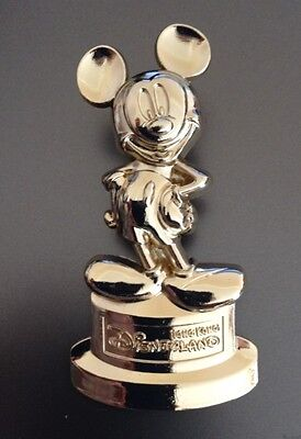 Disney Hkdl Golden Mickey Mouse Statue Pin