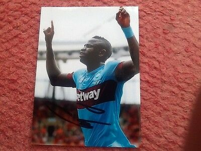 Kouyate west ham signed 7x5 Colour Football Photo