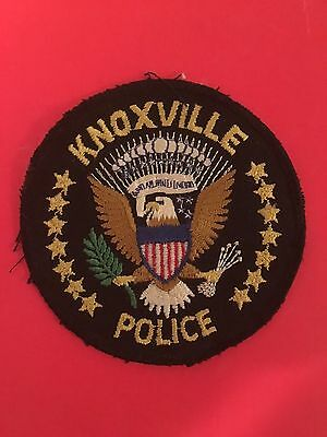 Knoxville Tennessee Police Uniform Take Off