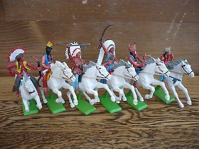 Britains Deetail Full Set Of 6 Mounted Indians  White Horses Toy  Soldiers