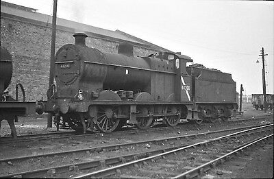 NEGATIVE 35mm LMS 0-6-0 44200 NICE NEGATIVE LOCATION & DATE UNKNOWN + COPYRIGHT