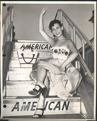 1954 Bobbi Buttons, dancer Press Photo, American Airlines w/ press release