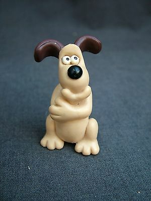 "Mini Vinyl Figure of GROMIT From "" The Wrong Trousers "". 1989."