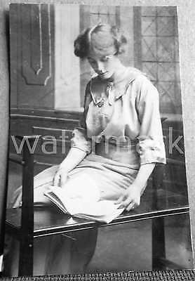 Antique Photo Young Woman Reading Necklace Social Fashion History