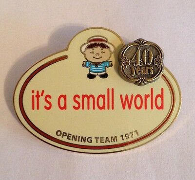 Disney Wdw Cast Exclusive Name Tag Collection It's A Small World 40 Years Le Pin
