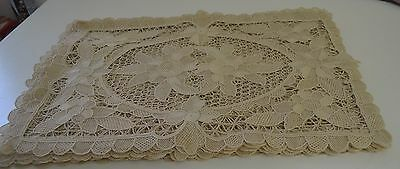 Set Of 16 Vintage Handmade Needle Lace Placemats Ss431