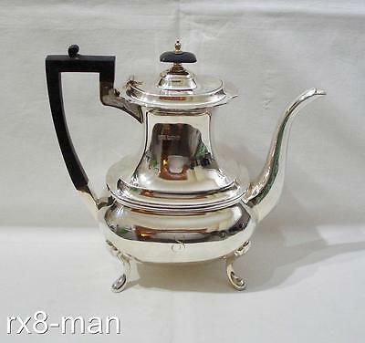 1923 SUPERB VINTAGE LARGE HEAVY SOLID SILVER COFFEE POT - 832g/26.75ozs