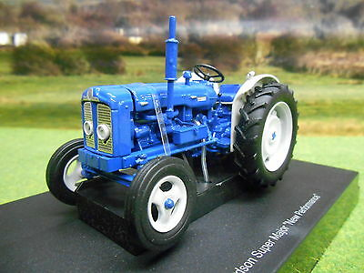 Universal Hobbies Fordson Super Major New Performance 1/32 4880 Boxed & New