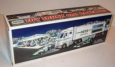 1998 Hess Recreation  Van With Dune Buggy & Motorcycle  New In Box Never Opened