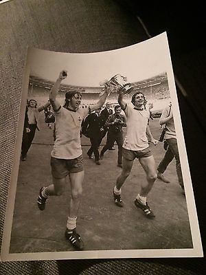PRESS PHOTO 8/5 1971 FA Cup Final Arsenal v Liverpool C George Frank McLintock