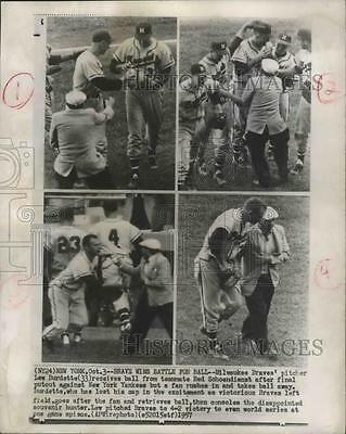 1957 Press Photo Lew Burdette, pitcher for Milwaukee Braves, receives ball