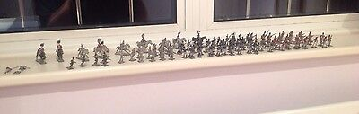 100 miniture lead soldiers
