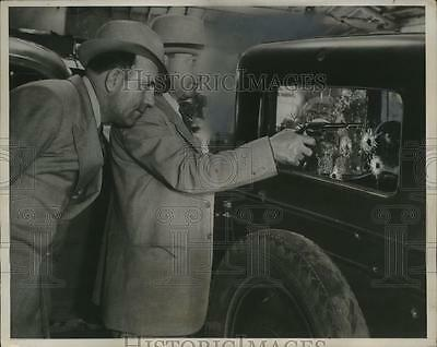 1936 Press Photo Police Examine Car Bullet Holes from Harriet Woody Shooting