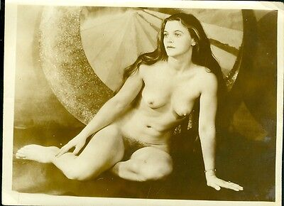 1940s Artistic Nude Woman Photo Beautiful Stunning Long Hair Brunette Well Posed