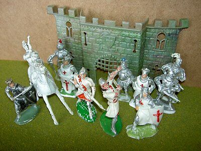 Cherilea 50/54mm Medieval Kinghts and Crusaders plus Castle Front