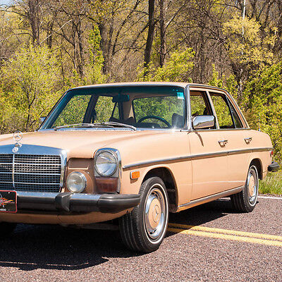 1975 Other Makes 300-Series 300D 1975 Mercedes Benz 300D 4DR, Power steering and brakes, Factory air