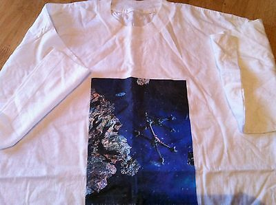 Babylon 5 T-Shirt, White Shirt Featuring Starfury Fighters, Size L/xl Vgc!