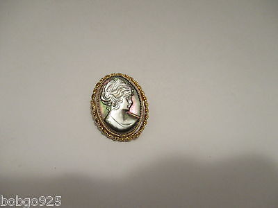 Cameo Pin Oval Gold Filled Brooch Signed La Rae 1/20 12k G.F. 1 1/8 inch