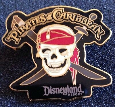 DISNEY PIN - DLR - Pirates of the Caribbean - Skull and Swords