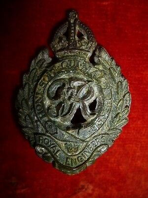 The Royal Engineers Plastic WW2 Economy Cap Badge